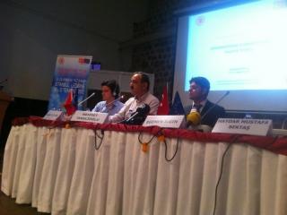 uluslararasi-yaz-kampi-genclik-ve-politika-4